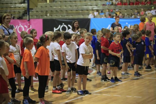 Olimpiada przedszkolaków w łódzkiej Hali Sportowej.