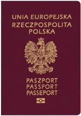 Paszport dla dziecka obowiązkowy. Wpis w dokumencie rodzica już nie obowiązuje