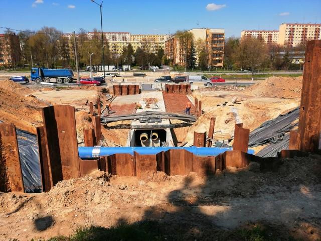 Trwa budowa linii tramwajowej Krowodrzy Górki do Górki Narodowej. Intensywne prace prowadzone są m.in. w rejonie ulic Opolskiej i Pachońskiego.
