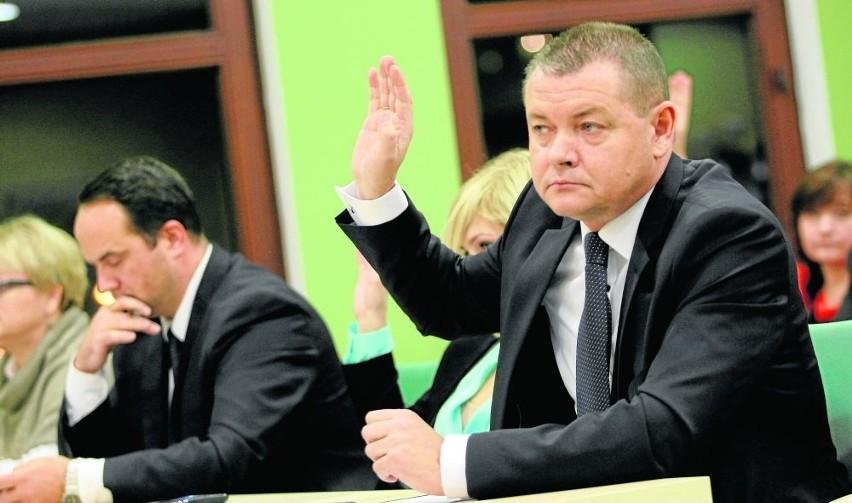 Roman Potocki (z prawej) objął stanowisko starosty...