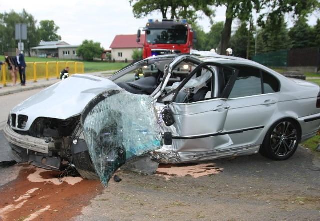 W Karbowie doszło do wypadku, wskutek którego 20-latka trafiła do szpitala