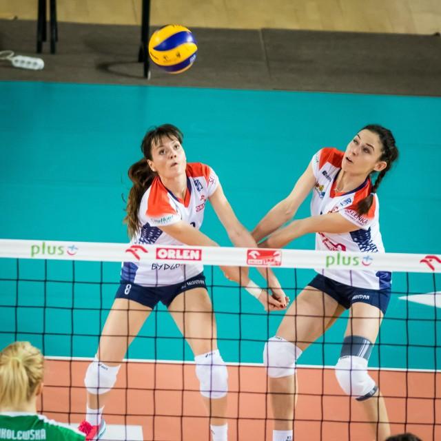 Ewelina Krzywicka (z lewej) i Magda Jagodzińska zagrały w Szczecinie dobre spotkanie, ale niestety, nie starczyło to, by walczyć choćby punkt.