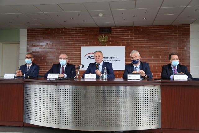 Umowa ma zapewnić bezpieczeństwo energetyczne Bydgoszczy. PGE Energia Ciepła Oddział Elektrociepłownia w Bydgoszczy oraz Komunalne Przedsiębiorstwo Energetyki Cieplnej zobowiązały się do maksymalizacji przyłączeń obiektów do istniejącej i rozbudowywanej miejskiej sieci ciepłowniczej.