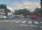 Na przejściu w Zieleniewie nad Miedwiem kierowca potrącił pieszego i uciekł. Trwają poszukiwania. Wiadomo, że jechał niebieską osobówką