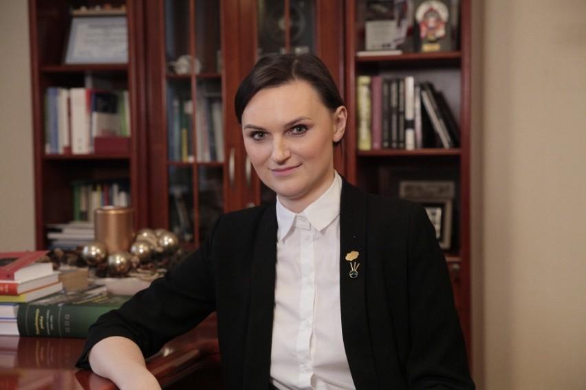 Profesor Agnieszka Kurczewska zachęca do zaglądania na...