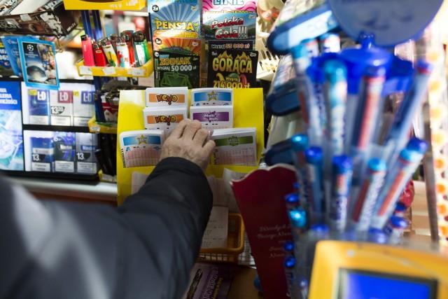 Najwyższa wygrana w historii Lotto padła w 2017 roku. Zwycięzca zgarnął wtedy 36,7 mln zł.