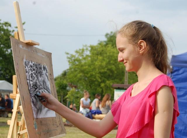 Młodzi mieszkańcy powiatu bydgoskiego mogą wziąć udział m.in.  w konkursie plastycznym