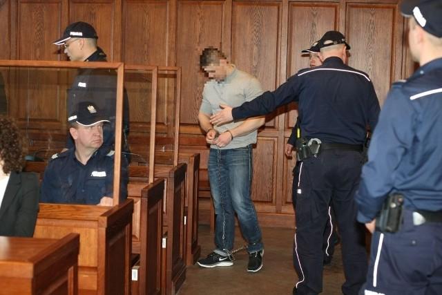 Proces w sprawie wojny gangów wymusił wprowadzenie specjalnych środków ostrożności w sądzie