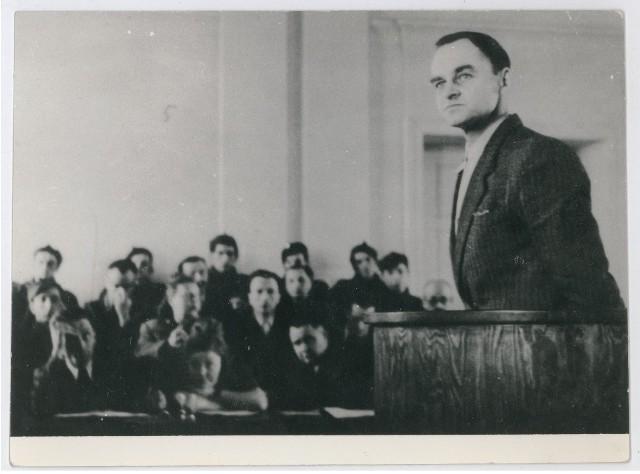 Rotmistrz Witold Pilecki podczas procesu w którym skazano go na karę śmierci.
