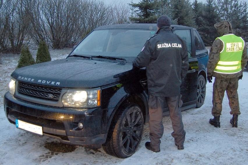 Land Rovera skradzionego w Niemczech zatrzymali funkcjonariusze z Placówki SG w Augustowie. Szacunkowa wartość auta wynosi 160 tys. zł.