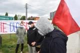 - To nie przestępcy, to lokalni patrioci - pisze o kilkunastu mieszkańcach Bobrownik, sołtys tej wsi. Trwa zbiórka na adwokatów dla nich