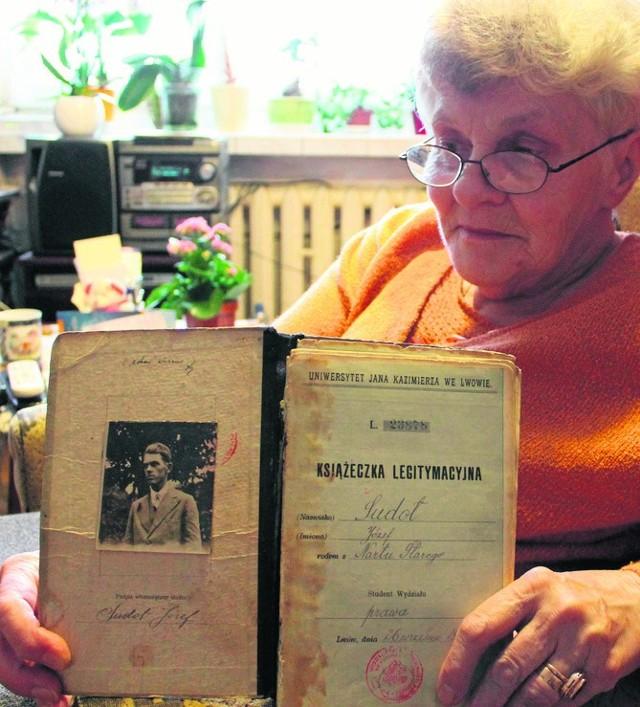 Pomysł gromadzenia pamiątek kresowych w Muzeum Piastów Śląskich lwowianka Alicja Zbyryt ogłosiła trzy lata temu.