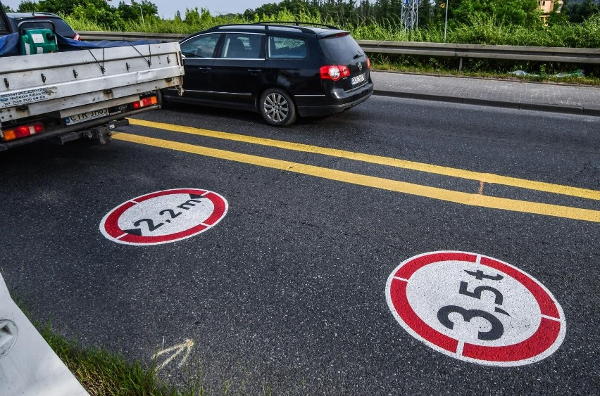 Na otwarcie wiaduktów kierowcy czekali drugie miesiące -...