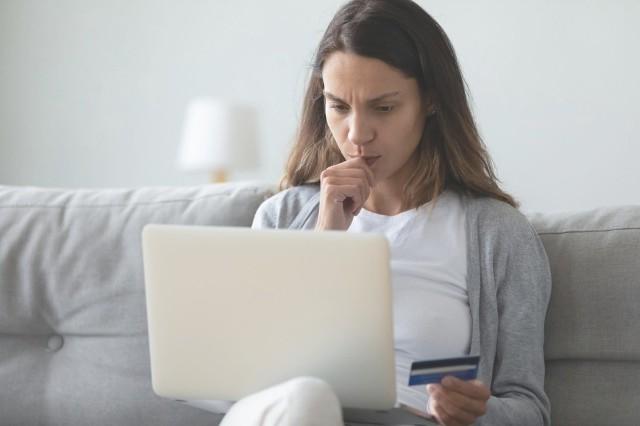 Kreatywność oszustów nie zna granic! Jeśli robisz zakupy przez internet, używasz poczty e-mail i Netfliksa, zobacz, w jaki sposób przestępcy mogą próbować wyłudzić od ciebie dane i pieniądze.