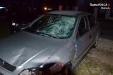 Tragiczny wypadek w Koryczanach. Samochód potrącił grupę przechodniów. Zginęła dziewczynka w wieku 13 lat ZDJĘCIA
