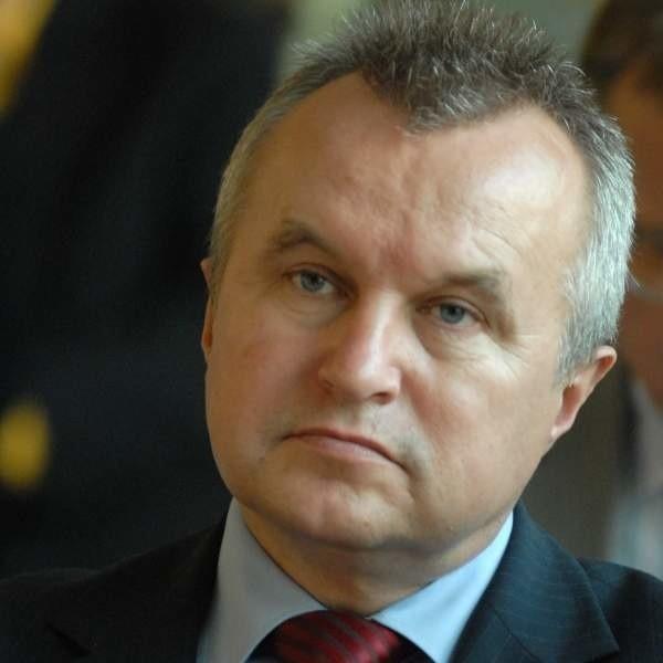 - Całe województwo stoi razem w obronie oddziału NFZ - zapewnia Bogusław Wierdak