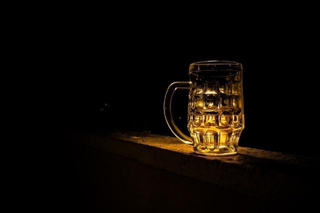 Państwowa Agencja Rozwiązywania Problemów Alkoholowych zarzuciła miastu, że złamało prawo.