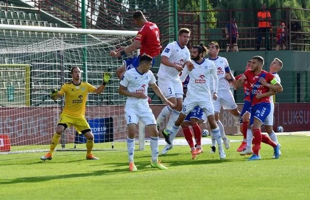 18 lipca Wisła Płock kończyła poprzedni sezon meczem w Bełchatowie z Rakowem Częstochowa, przegrywając 1:2.