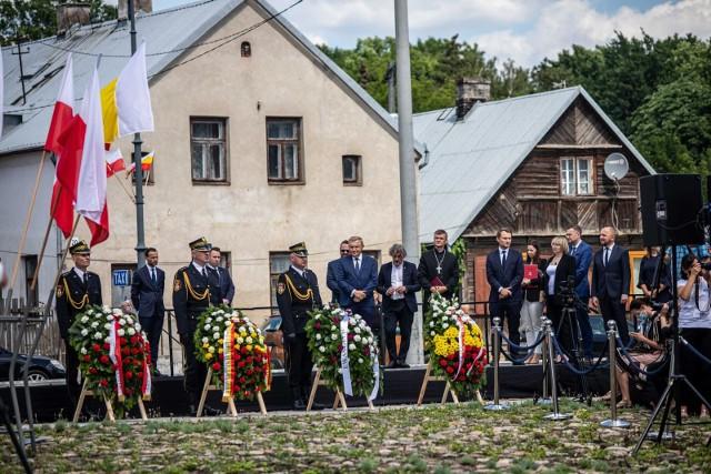 Uroczystość odsłonięcia skweru upamiętniającego dawną nekropolię ewangelicką na Rynku Siennym w Białymstoku