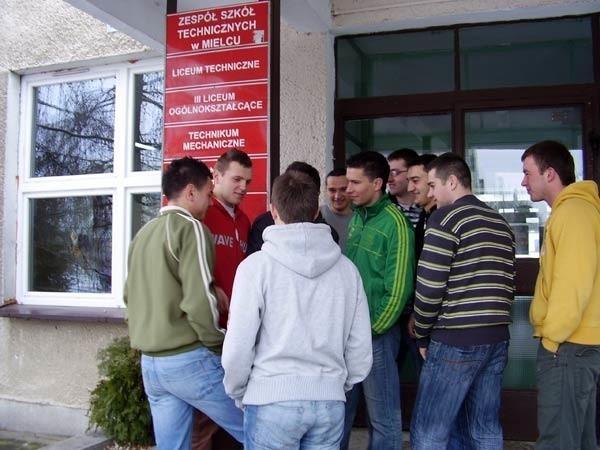 Zespół Szkół Technicznych w Mielcu będzie prowadził rekrutacje do 7 klas w technikum, 4 - w  liceum i 8 - w szkole zawodowej.