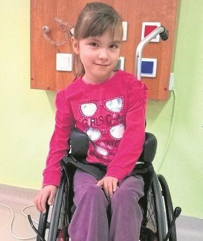 W trakcie majowego półmaratonu w Białymstoku będziemy pomagać 7-letniej Julce, chorej na mózgowe porażenie dziecięce