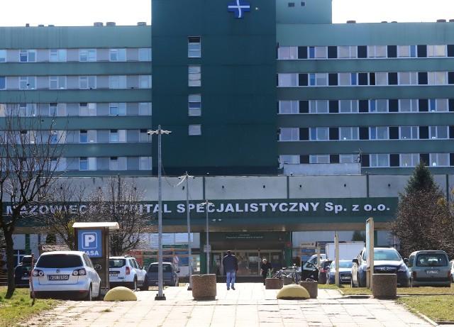 W czwartek rano zakończyła się relokacja pacjentów z oddziału wewnętrznego I Mazowieckiego Szpitala Specjalistycznego.