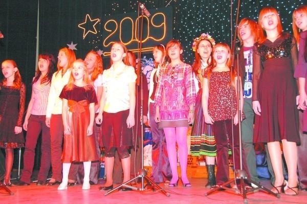 """Festiwal rozpoczynała i kończyła """"Kantyczkowa"""" kolęda. Zaśpiewali ją wszyscy uczestnicy festiwalu."""