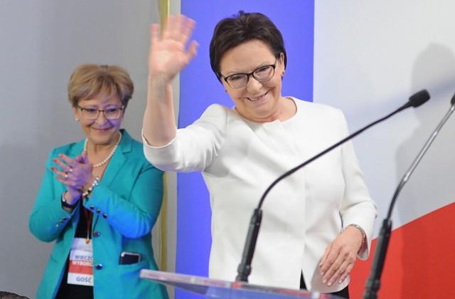 """""""Słucham, rozumiem, pomagam"""" - deklarowała w kampanii Ewa Kopacz."""