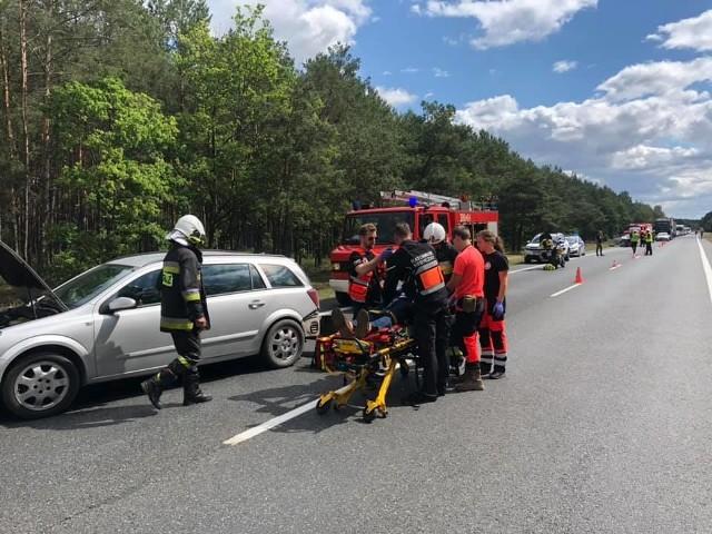 """""""Wzorcowe zachowanie kierowców! Jak widać kampania Korytarz życia przynosi rezultaty"""" - podkreślają strażacy z OSP Solec Kujawski"""