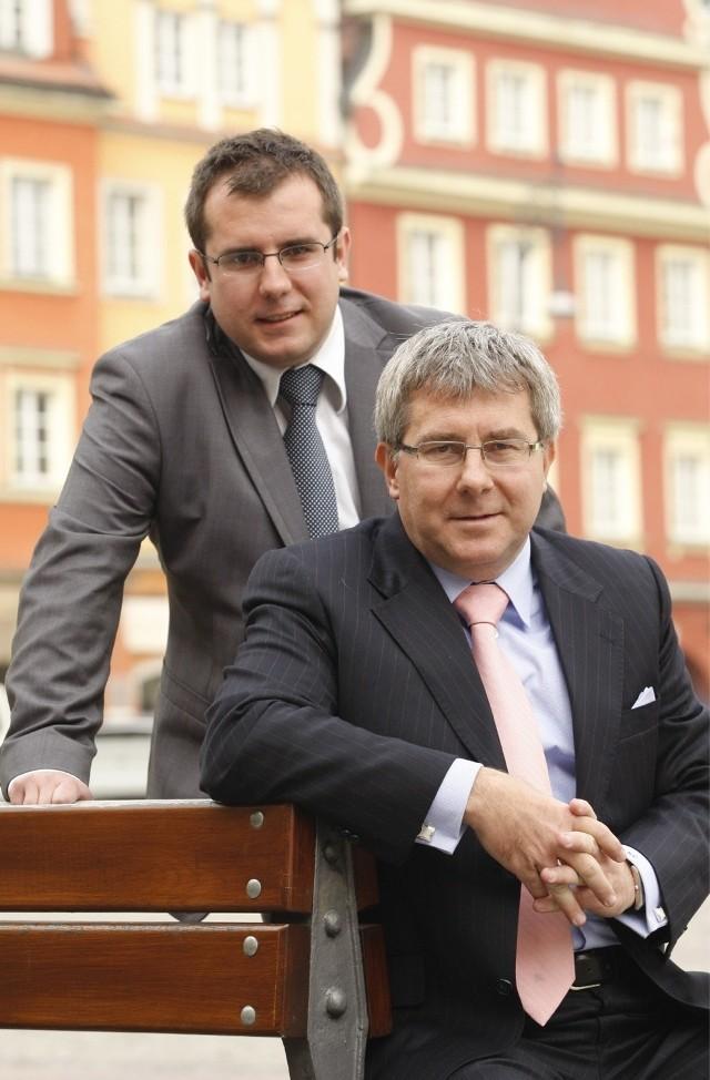 Europoseł PiS Ryszard Czarnecki i jego syn Przemysław Czarnecki, zapewne przyszły poseł