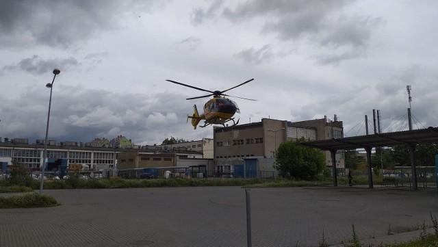 Dziecko wypadło z 2. piętra bloku przy ulicy Łożyńskiego w Chełmnie.