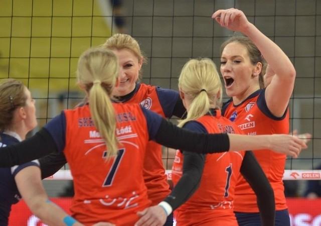 Siatkarki Budowlanych wygrały trzeci mecz z rzędu.