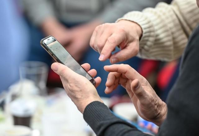Drastyczny wzrost zadłużenia wobec firm telekomunikacyjnych.