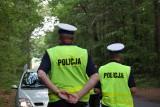 Przewóz. Policjanci złapali ich na gorącym uczynku gdy kradli tory. Kierowca miał przy sobie metaamfetaminę.