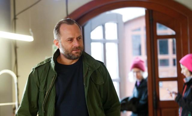 Leszek Lichota wraz ze swoją pratnerką budują kamping w Beskidzie Niskim.