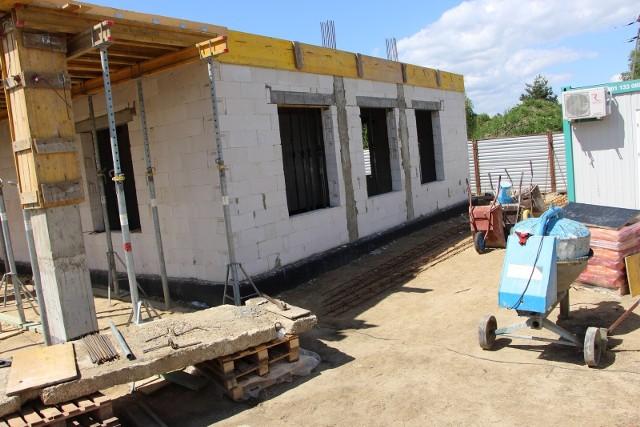 W dobrym tempie idzie budowa Domu Ludowego w Goszczewicach w gminie Przytyk.