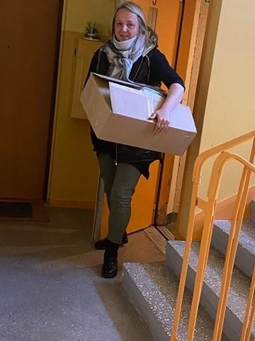 Agnieszka Kosacka skrzyknęła mieszkańców na grupie facebookowej  Gorzów Wlkp. 24/7 i zbierają pieniądze oraz najpotrzebniejsze środki ochrony dla służb