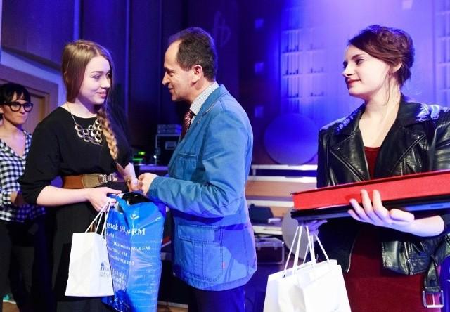 Zuzanna Maria Danowska (z lewej) zdobyła wyróżnienie, a Dominika Baraniecka pierwsze miejsce w Literackich Debiutach