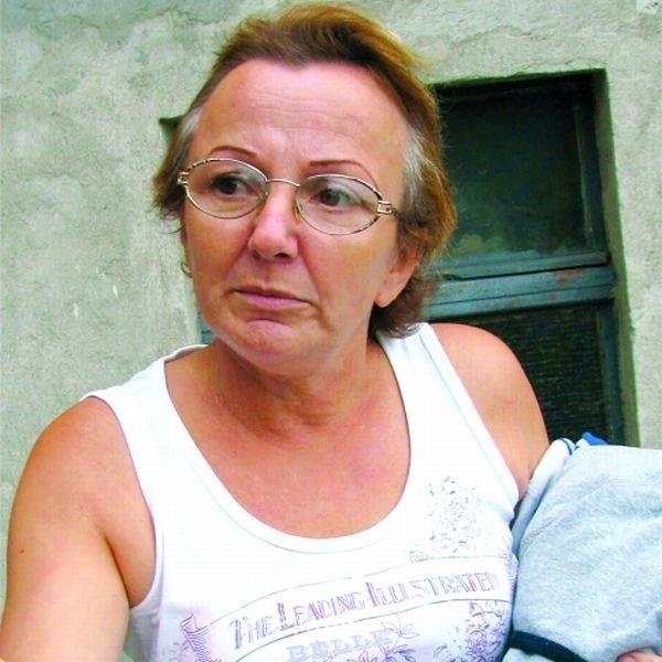 - Chciałabym zapewnić swojej córce kąt na przyszłość - mówi Aldona Jurska z kamienicy przy ul. Wojska Polskiego 75. - Jak mam to zrobić, kiedy nie wiem, co będzie z tym mieszkaniem?