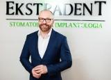 Implanty stomatologiczne - fakty i mity przedstawia stomatolog Paweł Baranowicz