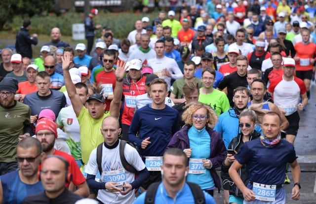 Tak na trasie Biegu Westerplatte prezentowali się biegacze w roku 2018