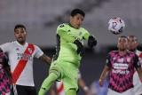 Enzo Pérez bohaterem River Plate. Zdziesiątkowany koronawirusem klub wygrał mecz z kontuzjowanym pomocnikiem w bramce