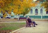 Średnia emerytura w Polsce: Na co może sobie pozwolić przeciętny emeryt? Jak gospodaruje? Zobacz, ile wynoszą średnie polskie emerytury