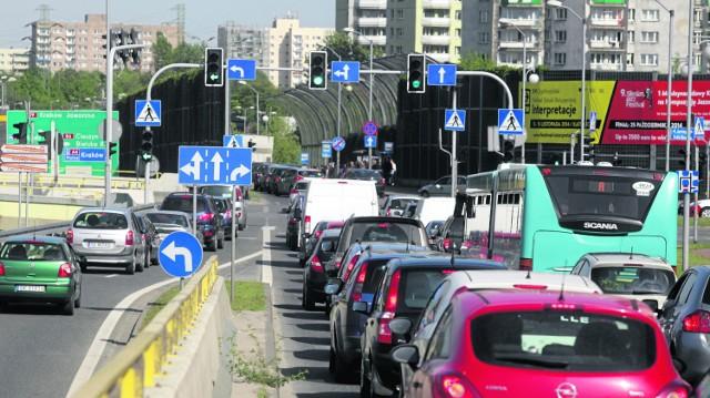 Zdaniem specjalistów z Deloitte, w Katowicach nie ma tzw. wąskich gardeł. Ale skoro ich nie ma, to skąd biorą się codzienne korki na ulicach stolicy naszego województwa?