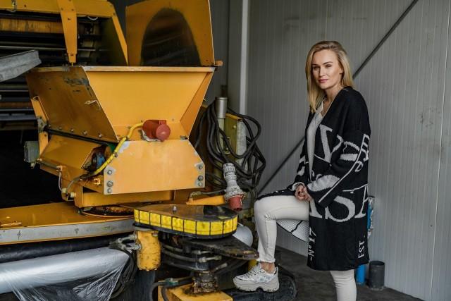 Wśród uczestniczek jest Kamila, która od razu po emisji zerowego odcinka wzbudziła duże zainteresowanie.