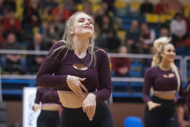 Kolejny udany występ dziewczyn z grupy Cheerleaders Maxi. Tym razem zaprezentowały swoje układy choreograficzne podczas meczu STK Czarni Słupsk - WKK Wrocław.