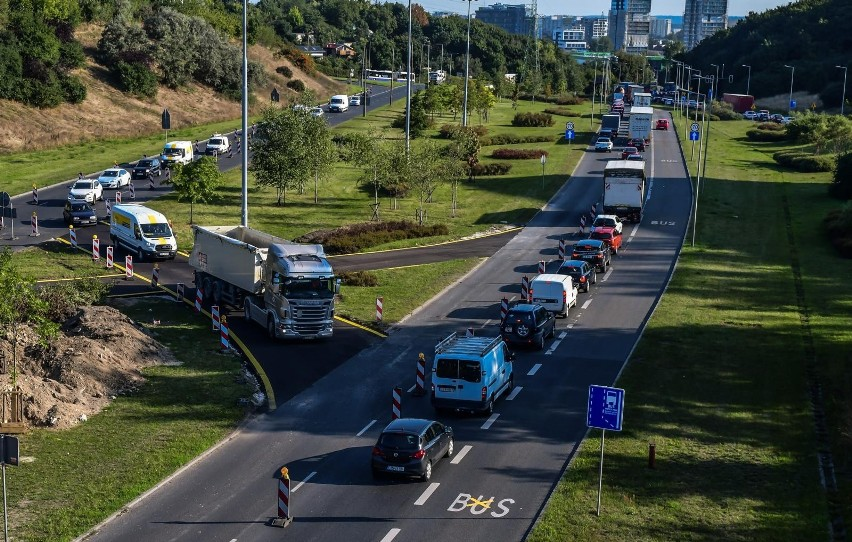 W ramach inwestycji powstanie nowy obiekt z drogą rowerową,...