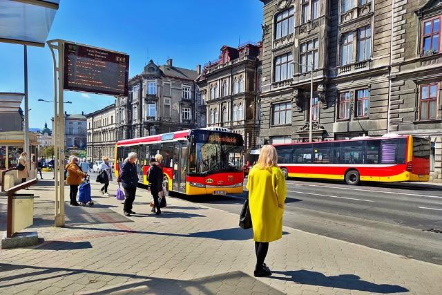 Bielszczanie w głosowaniu mogą wybrać tapicerkę, jaka znajdzie się w nowych autobusach MZK