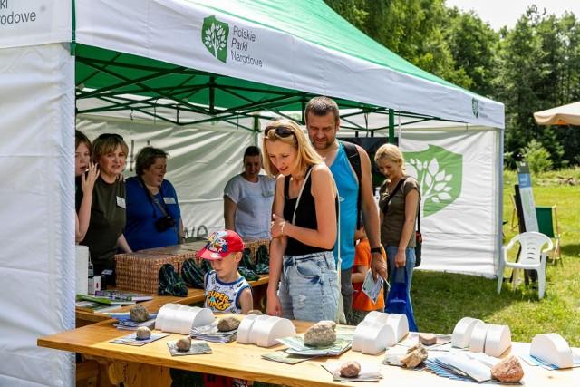 Dzisiaj (3 lipca) w skansenie odbył się Piknik Podlaskich Parków Narodowych. Zjechali się przedstawiciele parków z całego regionu, by opowiedzieć o bogactwie przyrodniczym Podlasia.