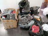 Policjanci z Nysy i Opola wraz z funkcjonariuszami z Urzędu Celno-Skarbowego zabezpieczyli ponad 2000 sztuk podrobionej odzieży